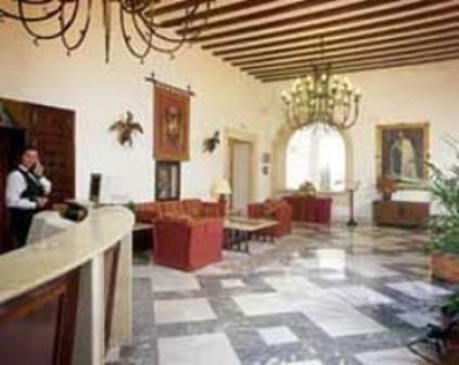 Испания: закрылся отель