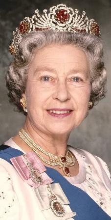 Великобритания: королевские бриллианты доступны для осмотра.