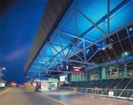 Великобритания: звукозаписывающая студия в аэропорту «Хитроу»